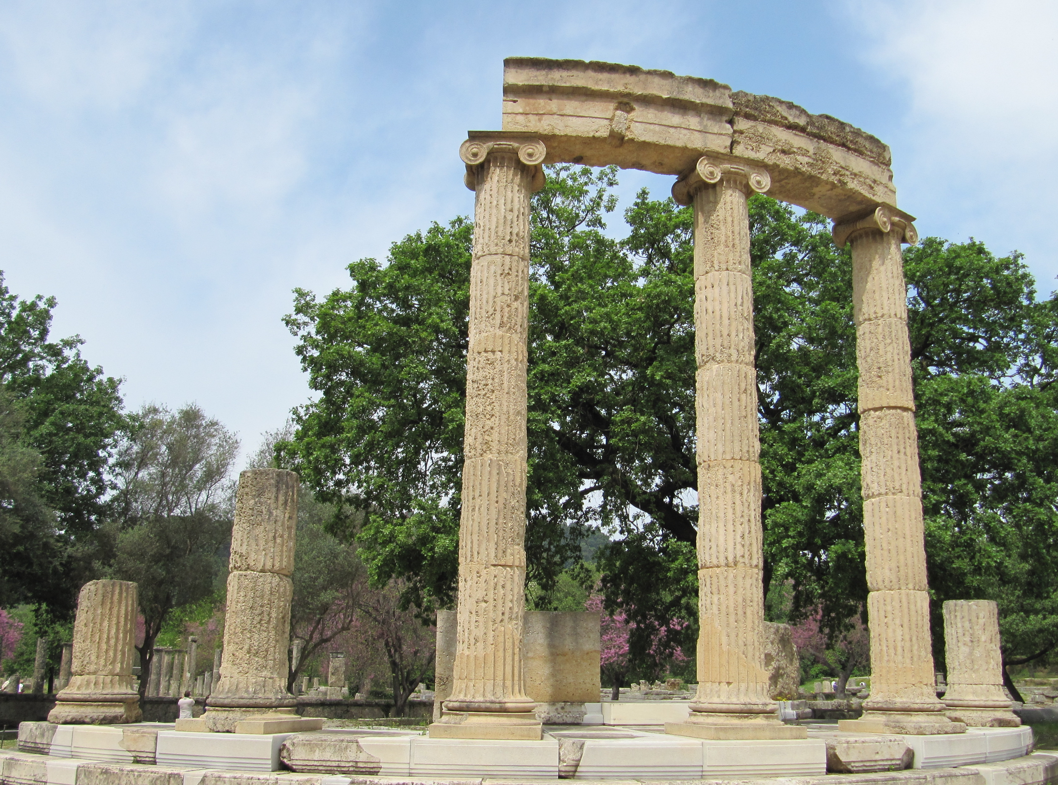 greek architecture columns ionic viewing gallery
