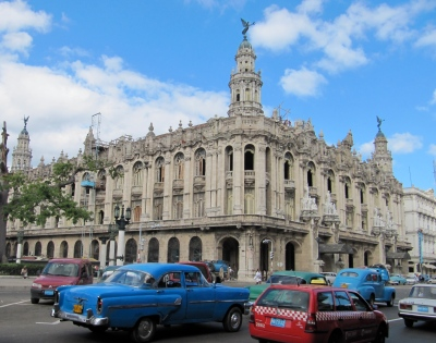 The Plaza Des Armas in all its neo-classical glory