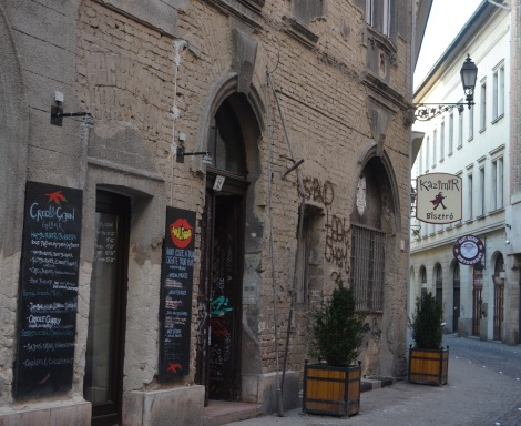 Kazimir: bar, restaurant, jazz club